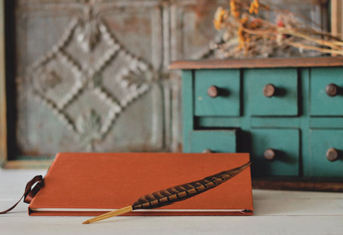 Rustic Wedding Guest Book Ideas for Fall Weddings - The Blue Sky ...