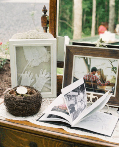 Photo guest book idea for weddings