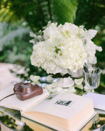 Wedding guest table idea - white flowers