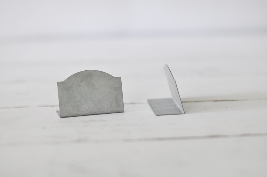 zinc essay Bluish-silver zinc is a workhorse element, crucial to life and important in many industrial processes that often go unseen this metal is positioned on the periodic.